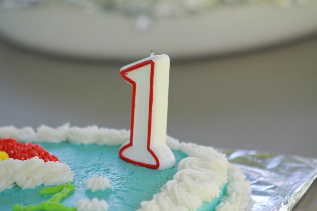 Единичка на торте